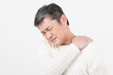 肩こり(ピリピリする痺れを伴う)でお困りの方、他にも身体にしびれを感じることはありませんか?