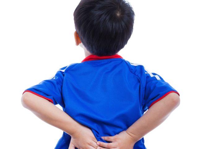 子どもの腰痛が増えている理由とは?